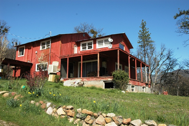 Homes for sale under 200k siskiyou county ca river for Build a house for 200k